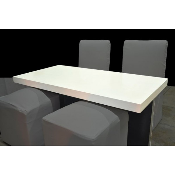 Astesiano alquiler de mesas mesa ratona madera for Mesa blanca y madera